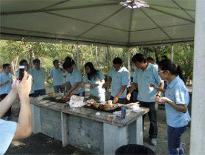 Гукун саябағында барбекю, 2014 жылдың күзі